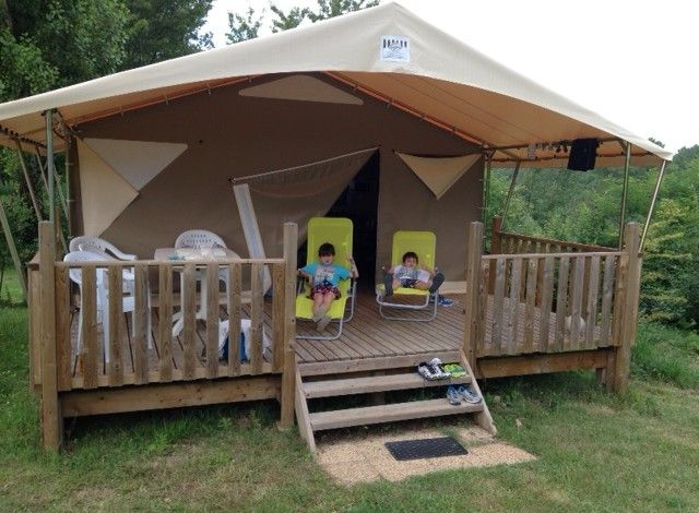Rental tents and lodge in the dordogne