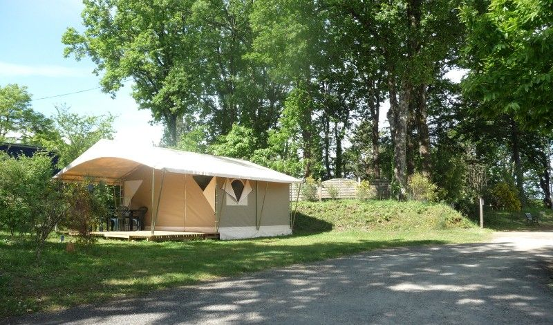 Tent equipee on campsite located in the most beautiful villages of france and dordogne