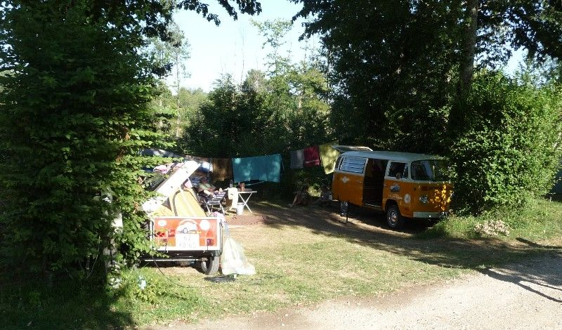camping in dordogne with space for camping car