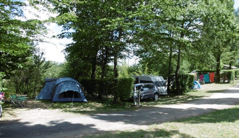 Campground shaded pitches dordogne