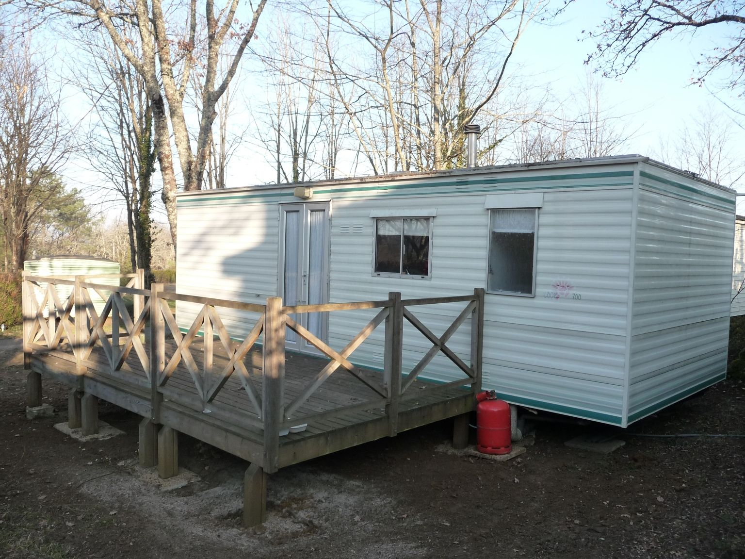 Mobile Home Rental With Covered Terrace In Campsite With Swimming Pool