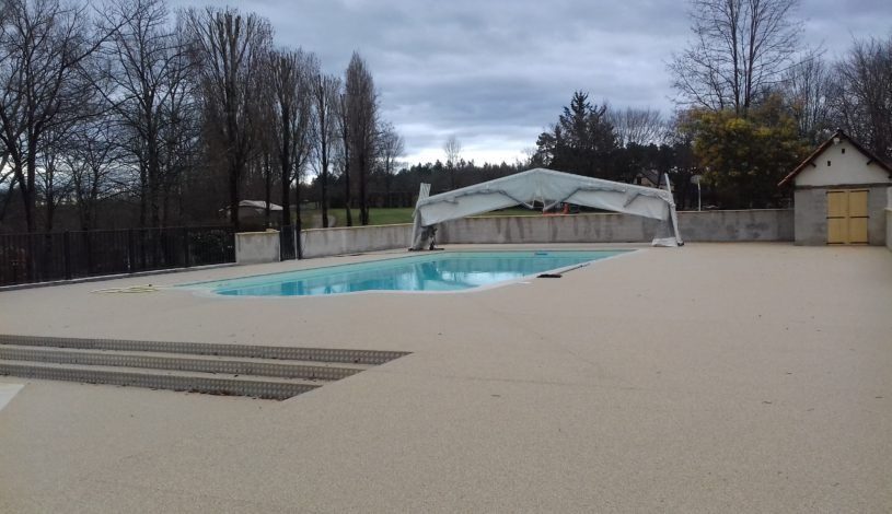 heated swimming pool camping 4 stars near lascaux