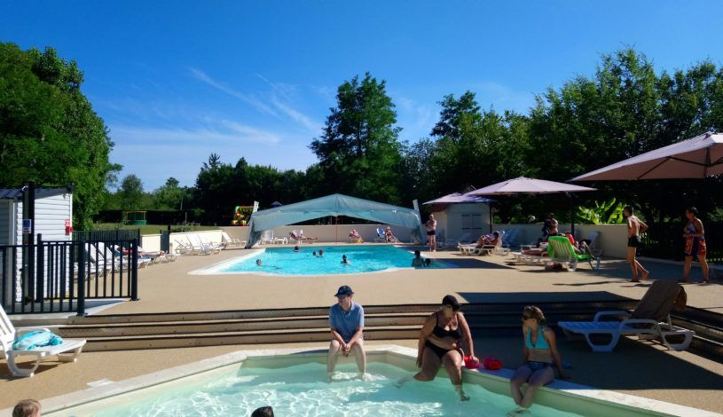 camping with montignac swimming pool