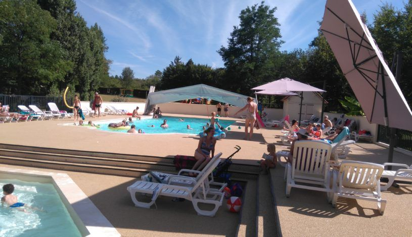 camping with heated swimming pool in dordogne near Lascaux