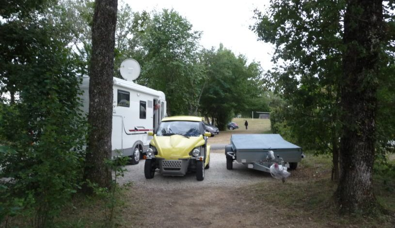 Emplacement camping très spacieux